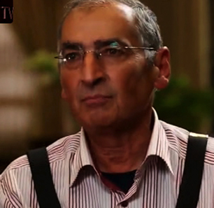 Prominent Iranian Dissident Zibakalam Defies Iranian Regime's 'Mission' To Destroy Israel, Refuses To Step On American, Israeli Flags