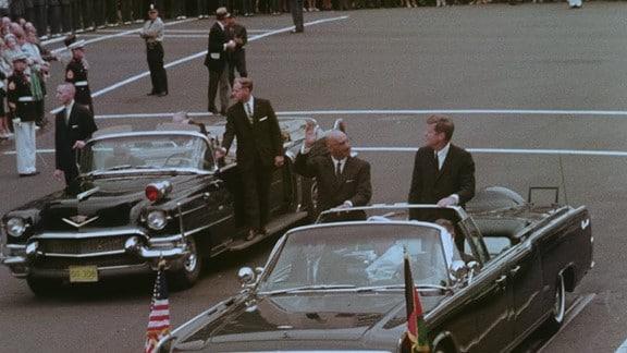 El rey afgano Muhammad Zaher Shah en visita de estado a los Estados Unidos junto al presidente Kennedy, 1963