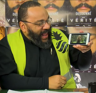 French Antisemitic Comedian Dieudonné Hijacks 'Yellow Vests' Protests To Promote His Views