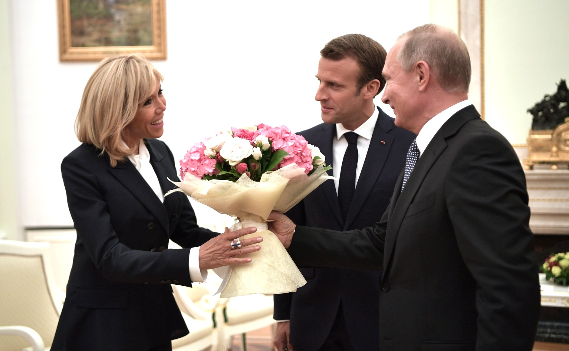 Russia In The World – Russia-France Relations – Sputniknews: Good Bye, Trump? Macron Looks At Russia As A Possible Ally