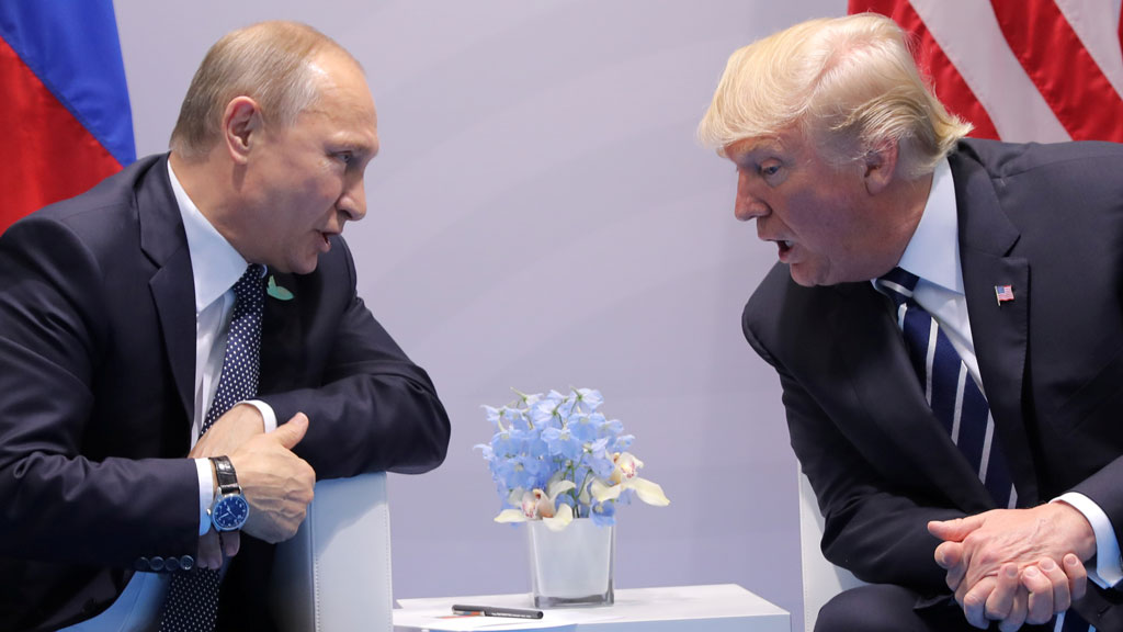 Description: Putin meets Trump