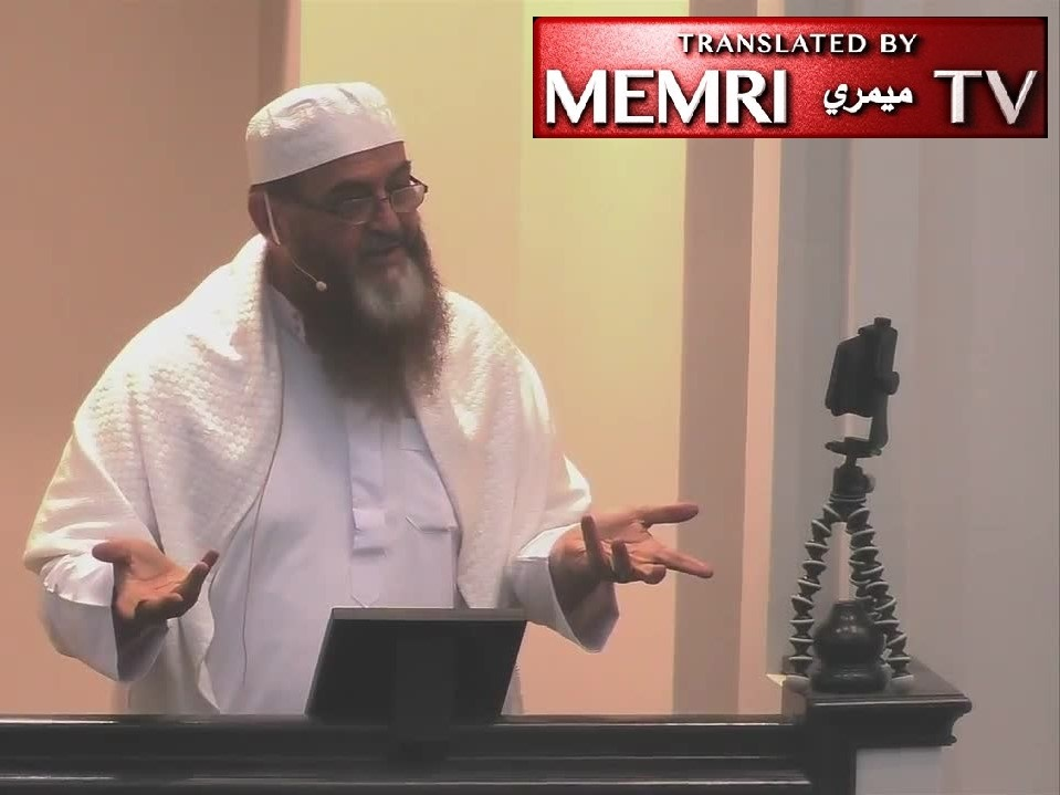Texas Imam Hasan Khalil: The Woman's Husband Is Her Path to Heaven; She Should Submit to His Command, Fix Her Schedule According to His