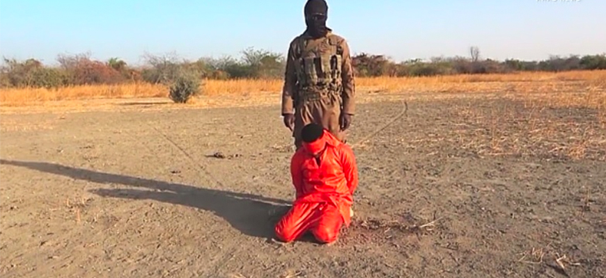 ISIS West Africa Video Shows Beheading Of African ‎Soldier, Threatens 'Crusaders'‎